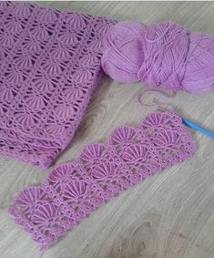 Sweater Crochet - Learn How to Crochet The Purple Petunia Baby Shawl size months TUTORIAL 168 Closed Caption Diy Crafts Knitting, Diy Crafts Crochet, Easy Knitting Patterns, Crochet Stitches Patterns, Stitch Patterns, Crochet Crocodile Stitch, Crochet Shell Stitch, Crochet Motifs, Crochet Leaves