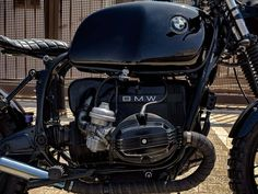 This is a custom motorcycle made by Fran Manen (Lord Drake Kustoms) based on a BMW and in a Cafe Racer and Scrambler style. Custom Bmw, Bmw Scrambler, Cafe Racers, Drake, Badass, Motorcycles, Lord, Style, Motorbikes