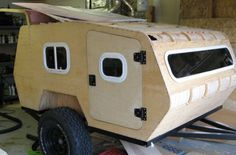 Off Road Teardrop Camper Made For Rough Terrain With a little welding and some wood work, you can have your own off road teardrop camper.With a little welding and some wood work, you can have your own off road teardrop camper. Off Road Camper Trailer, Trailer Diy, Small Trailer, Camper Trailers, Trailer Build, Landrover Camper, Truck Tent, Truck Camper, Pickup Camper