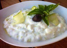 Tzatziki sauce Recipe (Greek Yogurt and Cucumber Sauce)
