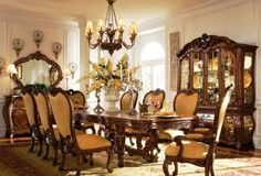 Veľkolepý Antique French Country kuchynských stoličiek s Legacy Classic Nábytok pre jedálne a biele sklo vázy Vintage na stolný doska tiež Antique Wood Makeup Vanity Tabuľka Set Mirror
