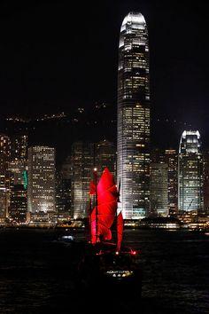 Aqua Luna junk, Hong Kong Victoria Harbour Victoria Harbour, Urban Exploration, Hong Kong, Times Square, Aqua, Travel, Water, Viajes, Traveling