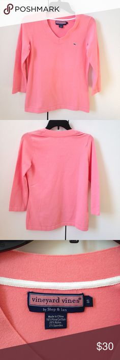 VINEYARD VINES HERITAGE V-NECK SWEATER Vineyard Vines coral Heritage V-Neck cotton sweater. Women's size small.   In good condition. Vineyard Vines Sweaters V-Necks