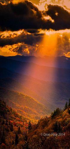 Colorful autumn sunrise over the Smoky Mountains | by Dfikar