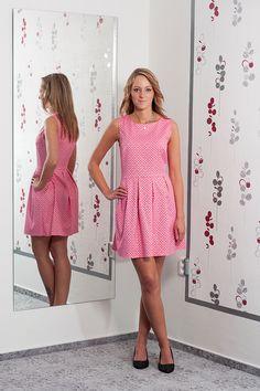 37db2d6506d Dívčí školácké šaty. Vel.  36 Cena  620