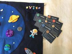 Libros de fieltro, plantillas y tutoriales incluidos - Imagenes Educativas Sistema Solar, Infant Activities, Book Activities, Book Libros, Space Books, Busy Book, Toddler Toys, Book Lovers, Stuff To Do