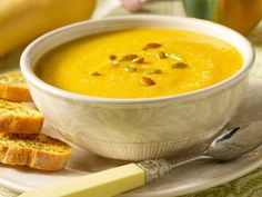 Silk Recipes: Butternut Squash and Parsnip Bisque I am going to try making this in the crockpot, and skip the parsnips! Parsnip Soup, Butternut Squash Soup, Soup Recipes, Vegetarian Recipes, Recipies, Milk Recipes, Apple Recipes, Delicious Recipes, Kitchens