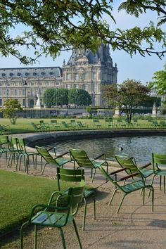 Springtime in Jardin des Tuileries Paris France Totally Frickin Awesome Tuileries Paris, Jardin Des Tuileries, Beautiful Paris, I Love Paris, Paris Travel, France Travel, Paris Garden, Reisen In Europa, Paris City