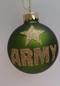 DIY with glue + glitter on an ornament