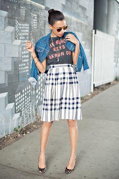 ootd, concert tee, vintage skirt, denim jacket, leopard pumps