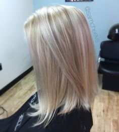 Platinum White butter blonde hair color with dirty blonde warm sandy lowlights // long bob haircut