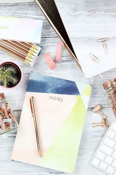 Every blogger and entrepreneur loves to stay motivated and organised. These copper and marble inspired stationery pieces are great addition to any office space.