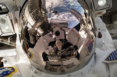 Nasa An Amazing View Astronaut Ricky Arnold took this selfie during the May 16 2018 spacewalk. - Astronaut Ricky Arnold took this selfie during the May spacewalk. Nasa Space Pictures, Nasa Photos, Nasa Images, Space Photos, Space Images, Offshore Bank, Nasa Missions, Nasa Astronauts, International Space Station
