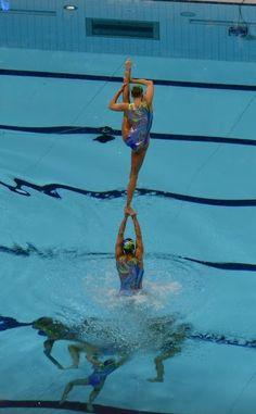 cheerleaders can suck it :P lifts underwater!