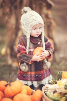 Fall photo shoot ideas. Fall photo session ideas. Children's photography. Photo styling. natural light photography. Tulsa photographer