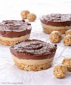 Raw Vegan Chocolate Coffee Cheesecake Bites {gluten, dairy, egg, peanut, soy & refined sugar free, vegan, paleo} - Crunchy crust meets creamy coffee and chocolate fillings in these raw vegan chocolate coffee cheesecake bites. Aside from being dangerously delicious, they're almost too pretty to eat and super simple to make, as well. Once you taste this raw vegan dessert without coconut oil (!) you'll want to make it again and again. And again.