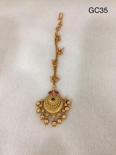 Gold Jewelry Design In India Key: 3543832334 Real Gold Jewelry, Gold Jewelry Simple, Head Jewelry, Tika Jewelry, Wedding Jewelry, Labret Jewelry, Jewellery Earrings, India Jewelry, Gold Earrings Designs