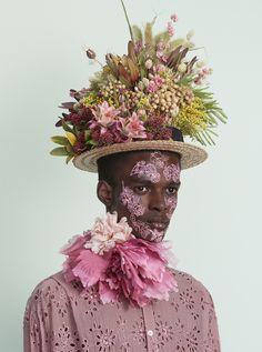Mad Hatter: 11 avant-garde bonnets for Easter | HUNGER TV Tim Burton Style, Avant Garde Hair, Flower Costume, Alfred Stieglitz, Flower Hats, Flower Fashion, Hats For Men, Alice In Wonderland, Wonderland Party