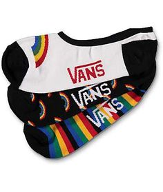 Because double rainbows were so enter in the Triple Rainbow No Show socks from Vans. This pack of no show socks from Vans offer not one but three choices for days you don't want your socks to be the star of your outfit. The textured grips inside the Dr Shoes, Sock Shoes, Cute Socks, My Socks, Happy Socks, Outfits Dress, Cool Outfits, Vans Socks, Look Fashion