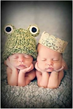 Princess and frog twin picture photography newborn