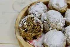 Super fryer bollen ( vegan) - Monique van der Vloed Camembert Cheese, Muffin, Breakfast, Food, Morning Coffee, Muffins, Essen, Yemek, Morning Breakfast