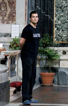 Henry Cavill Pictures - Henry Cavill Goes Sightseeing in Rome - Zimbio