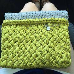 @trooney11's vibrant #holdtightclutch #wovenstitch #jerseybegood Bravo! #knitmaven
