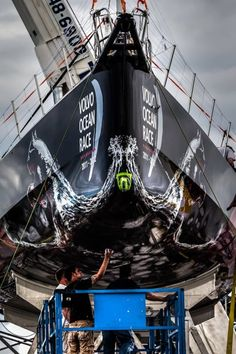 mar mostro, puma ocean racing powered by berg // photo by bruno cocozza Volvo Ocean Race, The World Race, Race Around The World, Sailing Gear, Sailing Ships, Yacht Builders, America's Cup, Fast Boats, Sail Away