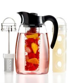 Flavor Infusion Pitcher Jug // make anything from iced tea to mojitos to regular water that& infused with lavender, fruit, or mint. The set includes a tea infuser and fruit infuser, as well as a cooling core Infused Water Recipes, Fruit Infused Water, Healthy Drinks, Healthy Snacks, Healthy Life, Healthy Eating, Infusion Pitcher, Water Infusion, Tea Infuser