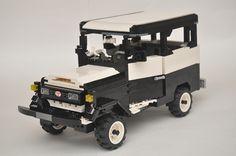 LEGO Toyota Bandeirantes by Gilcélio, via Flickr