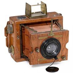 Ernemann Tropen-Klapp-Camera, 1922 Ernemann, Dresden. Large and very attractive…