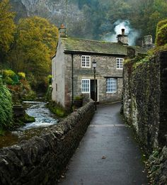 River cottage, Castleton, Peak District I love the walk up to the castle. Indeed, the drive from Manchester over to Castleton is wonderful too. River Cottage, Cozy Cottage, Irish Cottage, River House, Cottage Style, Witch Cottage, Shabby Cottage, The Places Youll Go, Places To See
