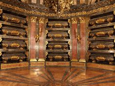 Monasterio El Escorial - Panteón Escorial Madrid, Vampire Books, Eric Northman, Royal Residence, Old Maps, Spain And Portugal, Throughout The World, Barcelona Spain, Cathedral