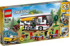 LEGO Creator 31052 Feriestunder Nyd rejselivets glæder med dette fantastiske LEGO Creator 3i1-sæt med en supersej autocamper fyldt med alt til den perfekte ferie, bl.a. en luksuriøs indretning med toilet, foldeseng, køkken, sofa og tv. Tag foldebordet og stolene ned fra autocamperens tag, træk markisen ud, og nyd en hyggelig grillaften. Tag derefter motorbåden ud på en tur, hold udkig efter bjørnen, eller kig på kortet for at planlægge din næste rejse i den skønne autocamper! Ombyg sættet…