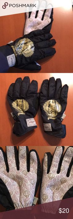 GUC G.A.S. Grenade jenny fish gloves Some wear on Palm as seen in pick. Lots of life left. Great for outdoor winter activities. G.A.S. Accessories Gloves & Mittens