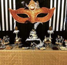 Fiesta de 15 años de mascaras http://ideasparamisquince.com/fiesta-15-anos-mascaras/