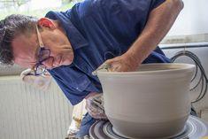 Höhr-Grenzhausen: Keramikhimmel im Kannenbäckerland Pottery, Clay, Ceramica, Pottery Marks, Ceramic Pottery, Pots, Ceramic Art, Ceramics