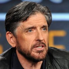 """Tweet: Craig Ferguson @CraigyFerg · Feb 1, 2016 """"Did jury duty today. Was dismissed for ( I believe the legal term is) being a wiseass. Btw Santa Monica courthouse has a fab vending machine"""""""