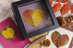 Vyrobte si z pěkných kousků listů přání nebo dekorační obrázek. Vytvořit se z nich dají třeba hezká srdce.