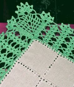 You certainly have seen one or another crochet nozzle around, even if you didn't know that was the name. This is because the crochet nozzle, which is also Crochet Boarders, Crochet Edging Patterns, Crochet Lace Edging, Crochet Squares, Crochet Trim, Crochet Doilies, Crochet Flowers, Knit Crochet, Knitting Patterns