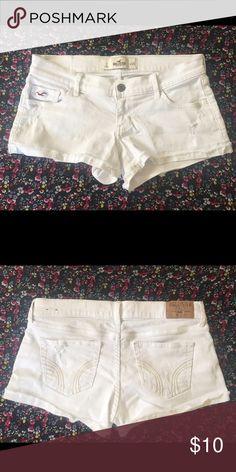 Hollister Shorts Hollister Shorts, white, like-new, size 3 W 26 Hollister Shorts Jean Shorts