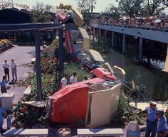 Hemisfair '68 monorail accident