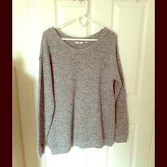 UNIQLO sweater tunic Body: 63% acrylic, 19% nylon, 15% wool, 3% spandex. Rib: 61% acrylic, 21% nylon, 15% wool, 3% spandex UNIQLO Sweaters Crew & Scoop Necks