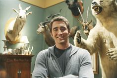 Lee Pace on the set of Pushing Daises. Lee Pace, Mackenzie Davis, Detective Shows, Perfect Husband, Pushing Daisies, Nikolaj Coster Waldau, Parks And Recreation, The Incredibles, Intp