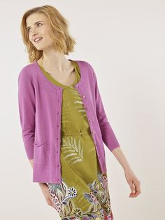 Browse Women's Knitwear at White Stuff. Whether you need Knitted Jumpers or Cardigans, or Sparkly and Novelty Knits, our knitwear range has you covered. Parma Violets, Cosy Outfit, Dress With Cardigan, Summer Colors, Cardigans For Women, Knitwear, Kimono Top, Women Wear, White Stuff