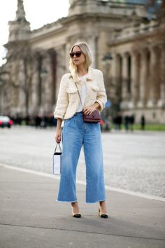 Spring Look Picture Description Paris Haute Couture Spring 16 street Looks Chic, Looks Style, Street Style Looks, Chanel Outfit, Chanel Jacket, Chanel Purse, Couture Week, Couture Style, Denim Fashion