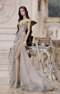 Diy Barbie Clothes, Barbie Clothes Patterns, Barbie Gowns, Barbie Dress, Fashion Royalty Dolls, Fashion Dolls, Estilo Fashion, Ideias Fashion, Barbie Top