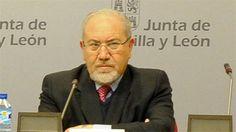 La UCCL reconoce y agradece a José Valín su dilatada trayectoria institucional, dedicada, muy particular, a la defensa de los intereses del sector agrario de Castilla y León http://revcyl.com/www/index.php/medio-ambiente/item/4718-la-uccl-reconoce-y
