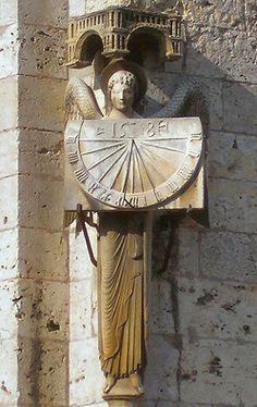 Chartres : cadran solaire de la cathédrale.