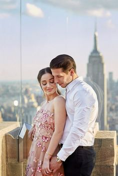 Summer engagement session ideas in New York City by Christian Oth Studio.